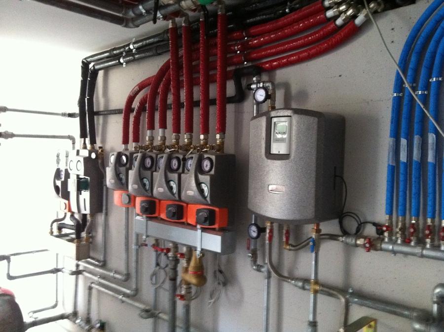 Pannello Solare Per Pompa Di Calore : Foto pompa di calore impianto per residenziale a latina