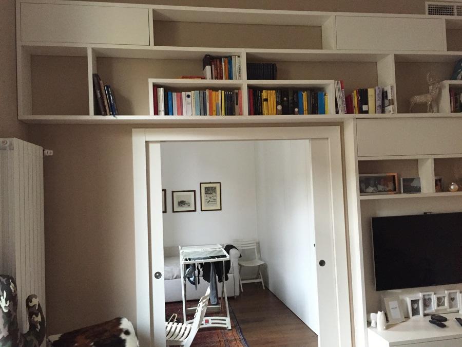 Foto Porta A Due Ante E Particolare Libreria Di Luca Massimini 367716 Habitissimo