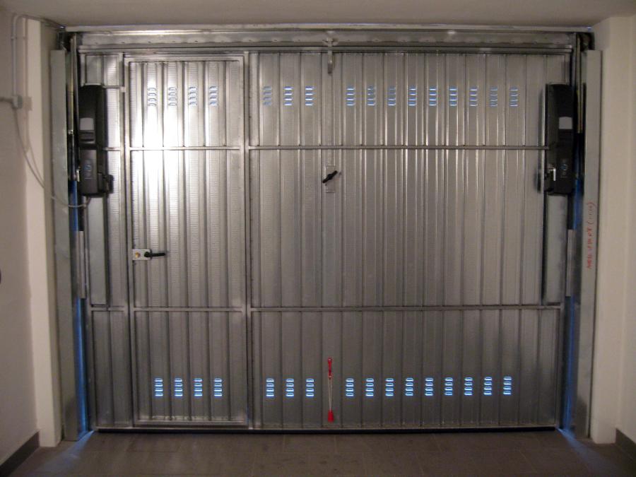 Progetto realizzazioni porta garage idee porte garage e - Prezzo porta basculante garage ...