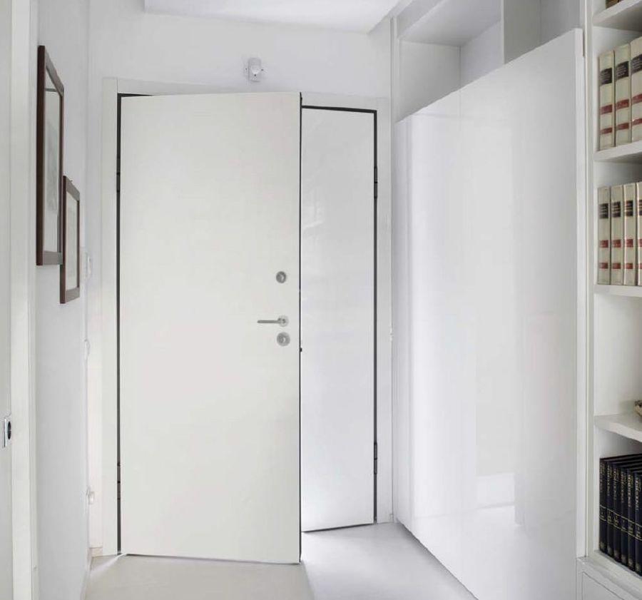Porta blindata asimmetrica semplice bianca