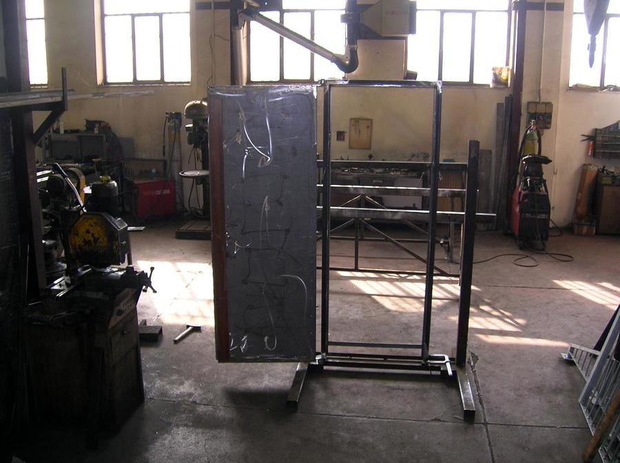 porta blindata in costruzione