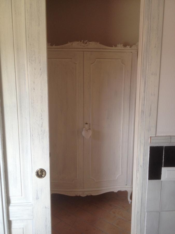 Progetto di Arredo di Interni con Fornitura di Porte In Abete Massello ...