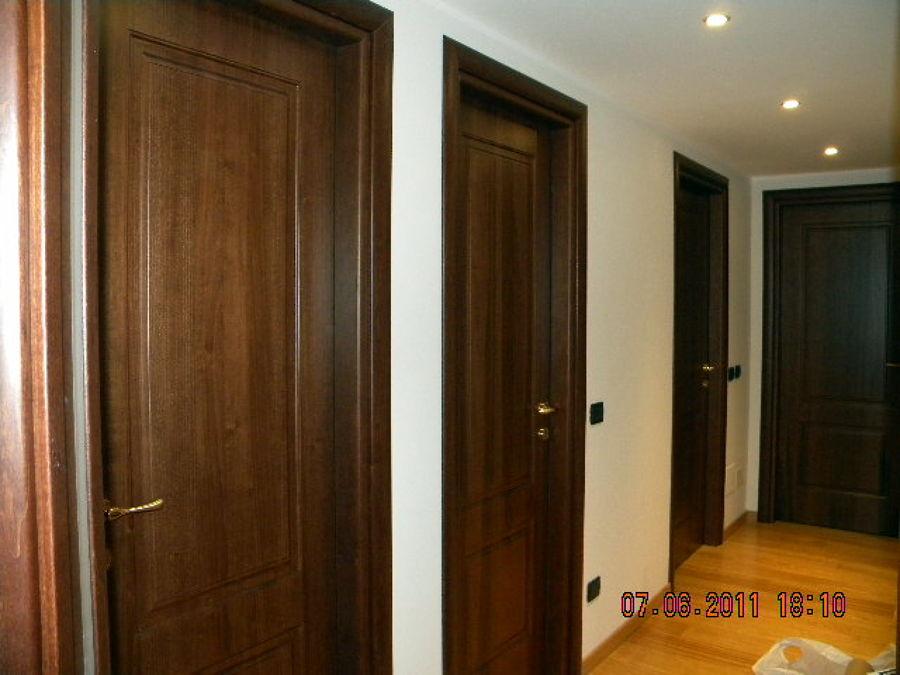 Foto porte interne lavorate de ir ristrutturazioni d for Immagini porte interne
