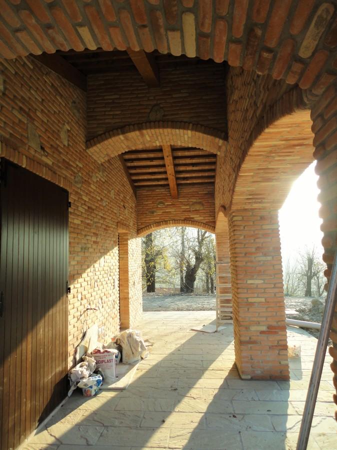 Realizzazione di una nuova costruzione idee costruzione case for Piani di stoccaggio con portico