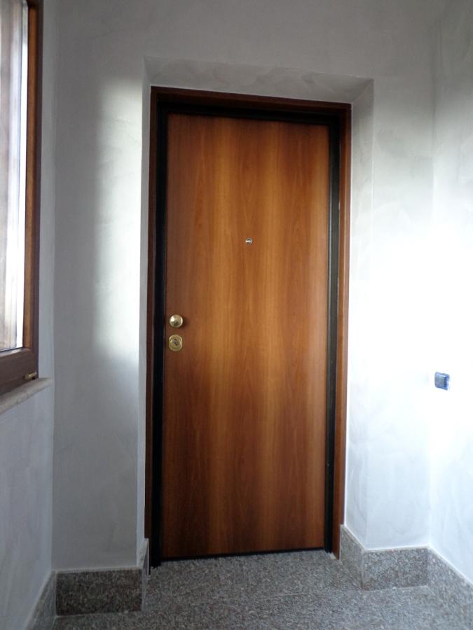 Foto portone blindato ferwall de gli specialisti del for Occhio magico per porte