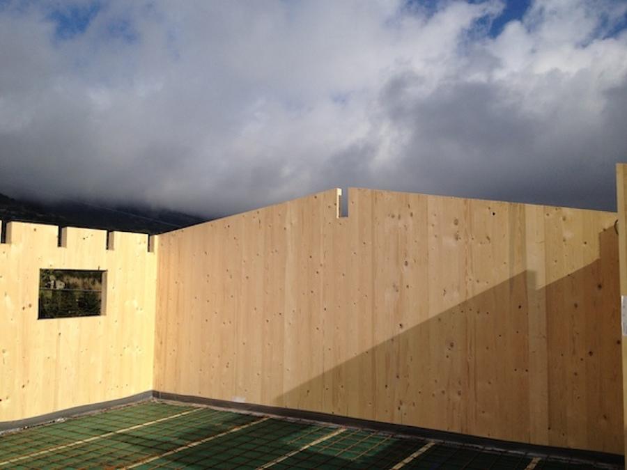 Casa in legno a due piani isola d 39 elba idee costruzione for Registra i prezzi dei piani di casa