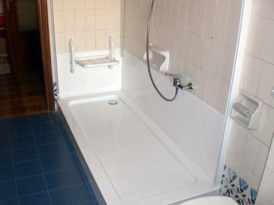 Progetto di trasformazione vasca in doccia idee ristrutturazione bagni - Posa piatto doccia prima o dopo piastrelle ...
