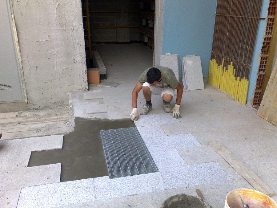 Foto posa pavimenti esterni in marmo di e c costruzioni - Posa pavimenti esterni ...