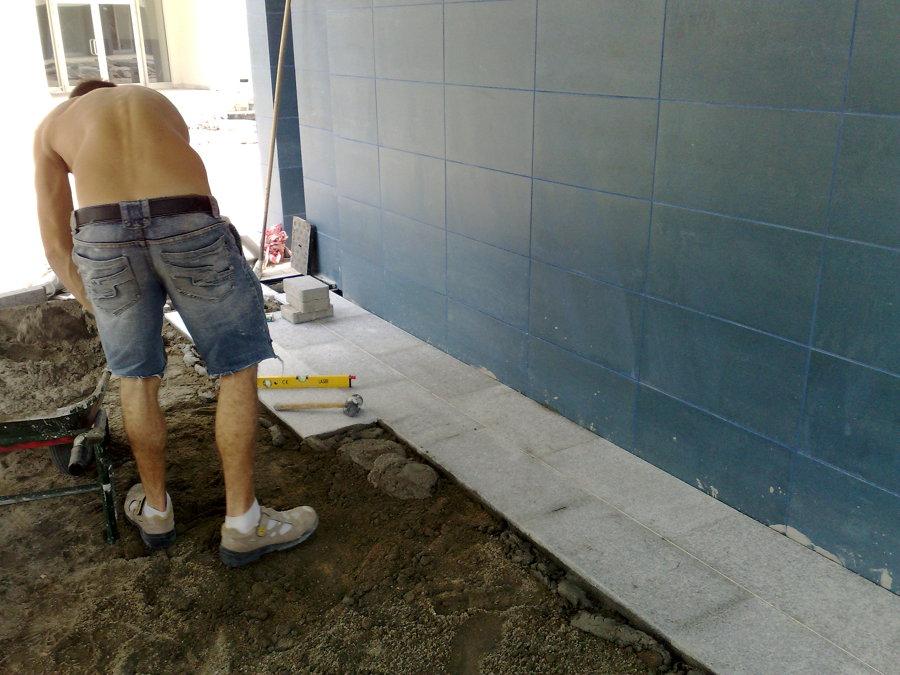 Foto posa pavimenti esterni in marmo de e c costruzioni - Posa pavimenti esterni ...