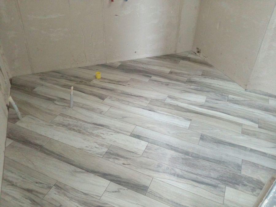 Foto posa pavimento stile parquet di edlibv 405665 habitissimo - Piastrellisti a trieste ...