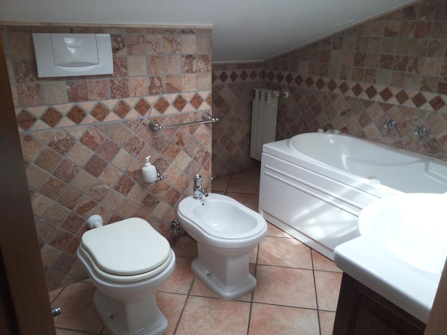 Bagno sottotetto ex novo idee ristrutturazione bagni - Bagno sottotetto ...