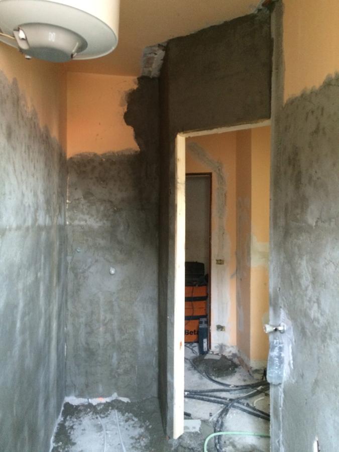 Foto preparazione pareti bagno per rivestimento di edil ristructura di bigoni michele 202189 - Rivestimento pareti bagno ...