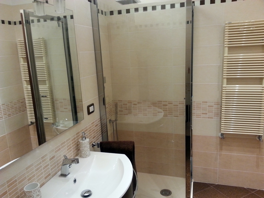 Foto progettazione e ristrutturazione completa di un - Costo sanitari bagno completo ...