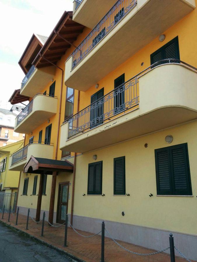 Prospetto frontale con balconi