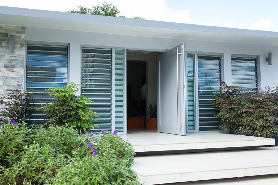Foto proteggi la tua casa con finestre con vetro di for La tua casa trento