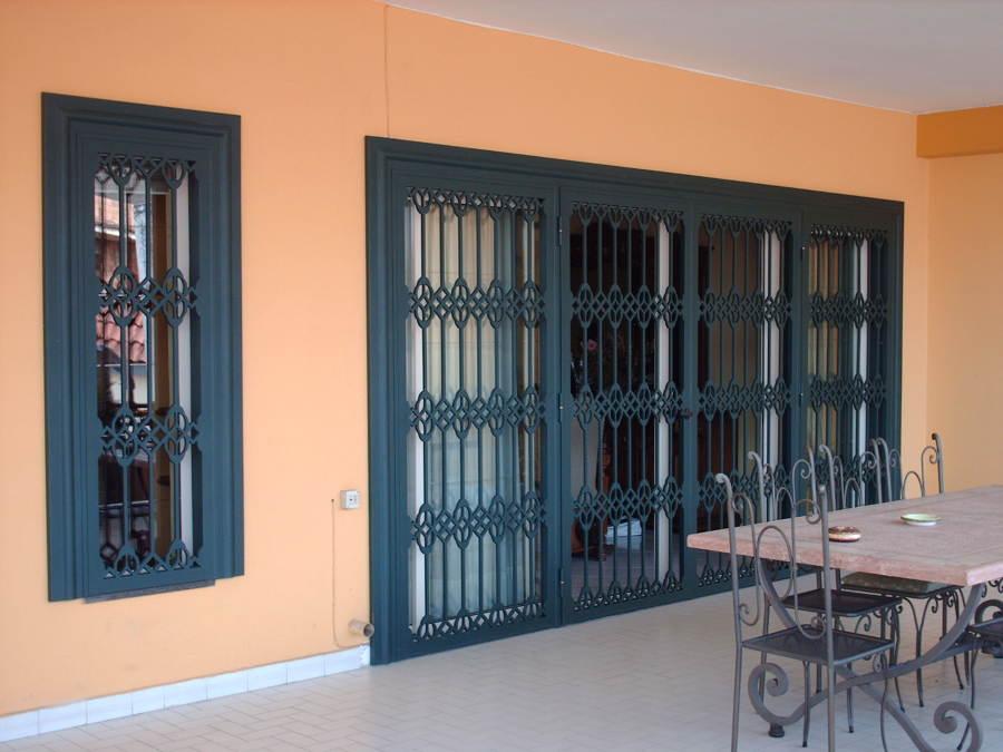 Progetto protezioni per finestre e porte idee infissi - Protezioni in ferro per finestre ...