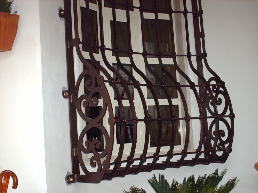 Foto protezioni per finestre e porte de edilsider sas di racconto giuseppe c 211159 - Protezioni per finestre ...