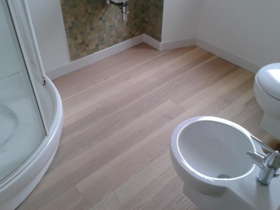 Progetto di manutenzione parquet idee pulizie for Pulizia bagno