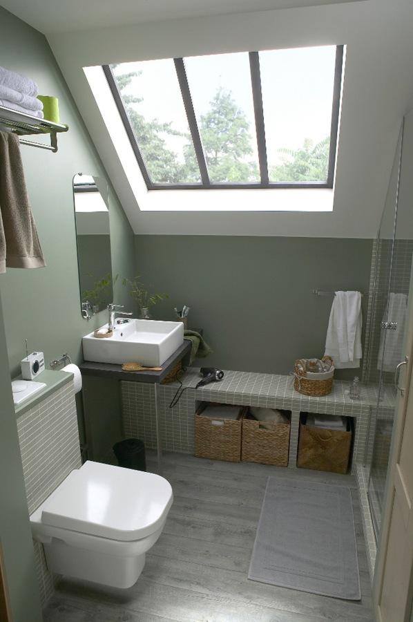 7 bagni piccoli ben organizzati idee ristrutturazione bagni - Bagno sottotetto ...