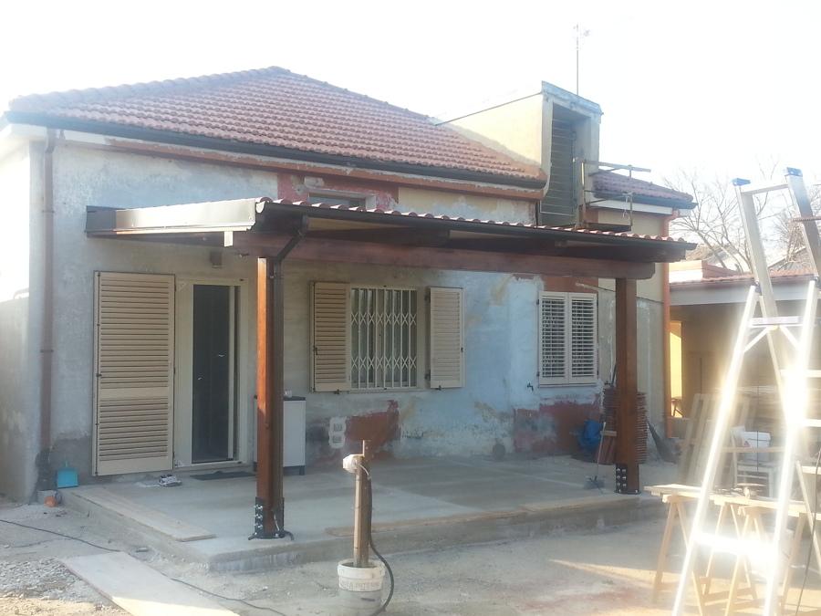 Foto realizzazione di portico esterno di geometra luigi for Idee portico florida