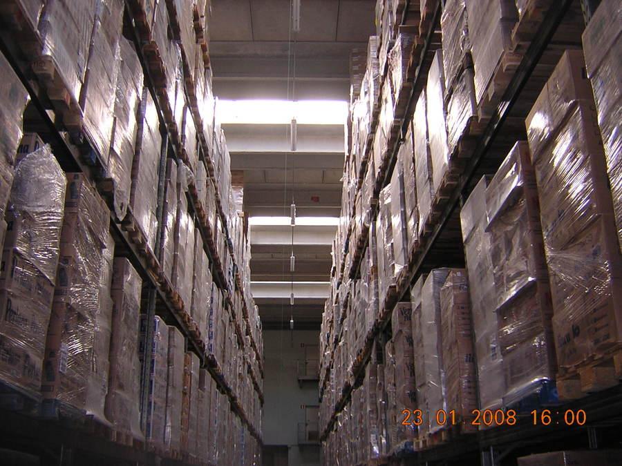 Realizzazione impianto illuminazione capannone industriale for Fai il capannone