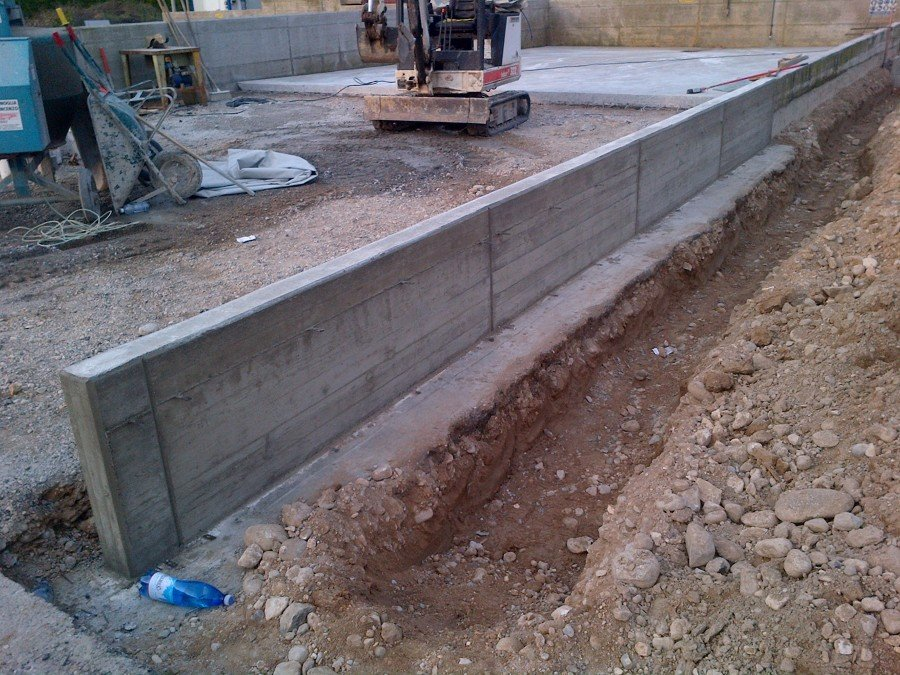 Muro In Cemento Armato Prezzo.Foto Realizzazione Muro In Cemento Armato Di M Costruzioni