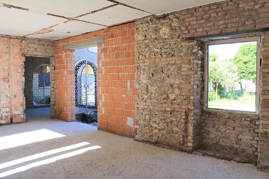 Ricostruzione murature e getto del vespaio