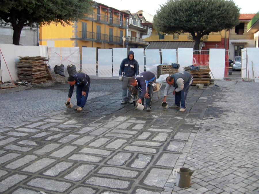 rifinitura di pavimentazione in basalto