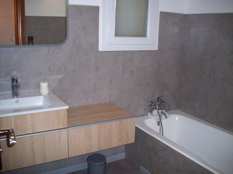 Ristrutturare il bagno senza demolire relooking idee - Vernice per vasca da bagno ...
