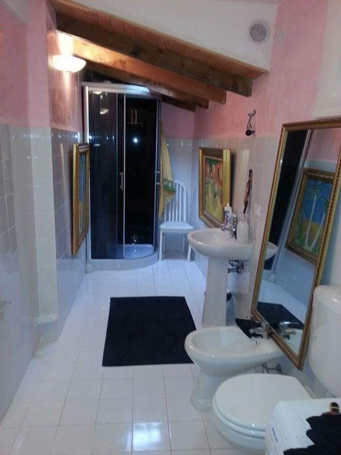 Ristrutturazione di un bagno idee ristrutturazione edifici for Bagno con piani sauna