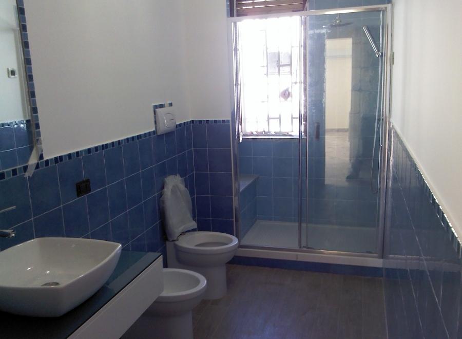 Ristrutturazione di un bagno e della cucina sig caracciolo - Ristrutturazione bagno e cucina ...