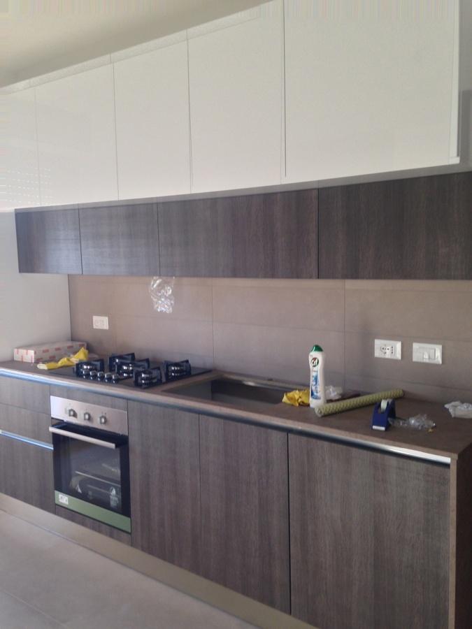 Foto ristrutturazione completa della cucina e fornitura for Mobilia sassari