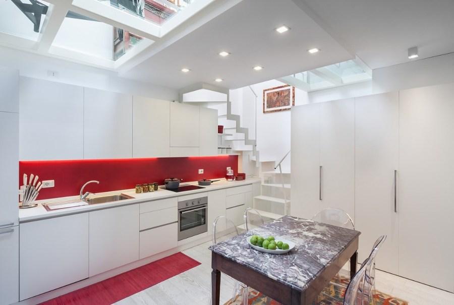 Cucina bianca su misura