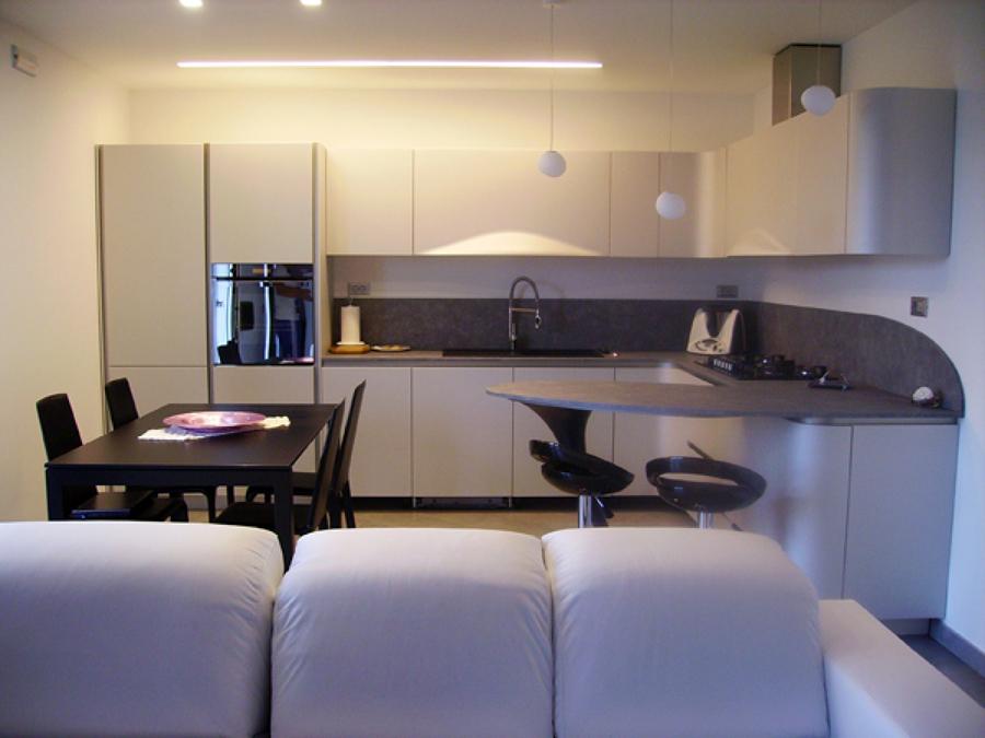 RISTRUTTURAZIONE - Da un appartamento a due