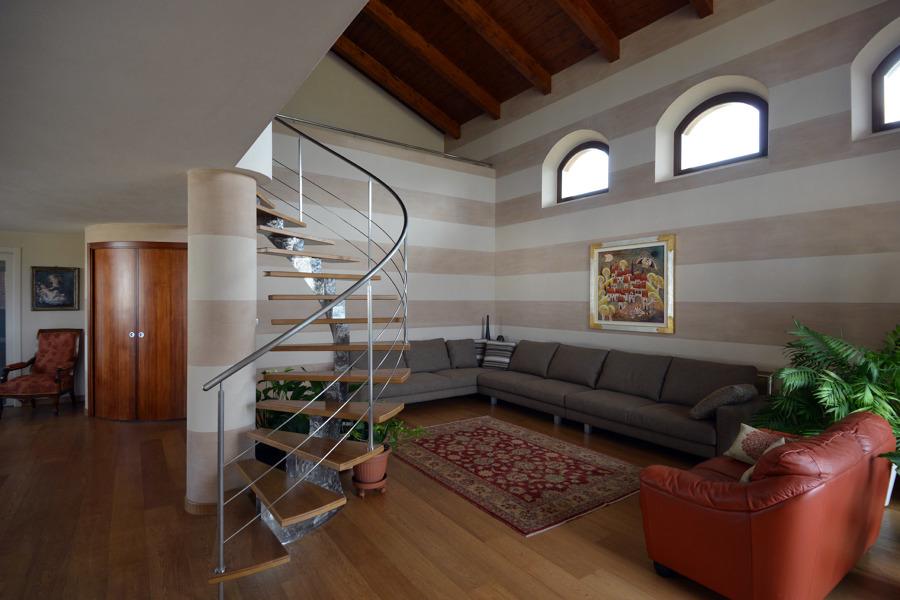 Idee ristrutturazione casa idea creativa della casa e for Idee ristrutturazione appartamento
