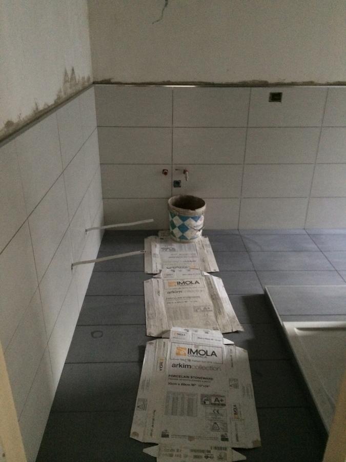 Progetto di ristrutturazione completa appartamento idee - Placcaggio bagno idee ...