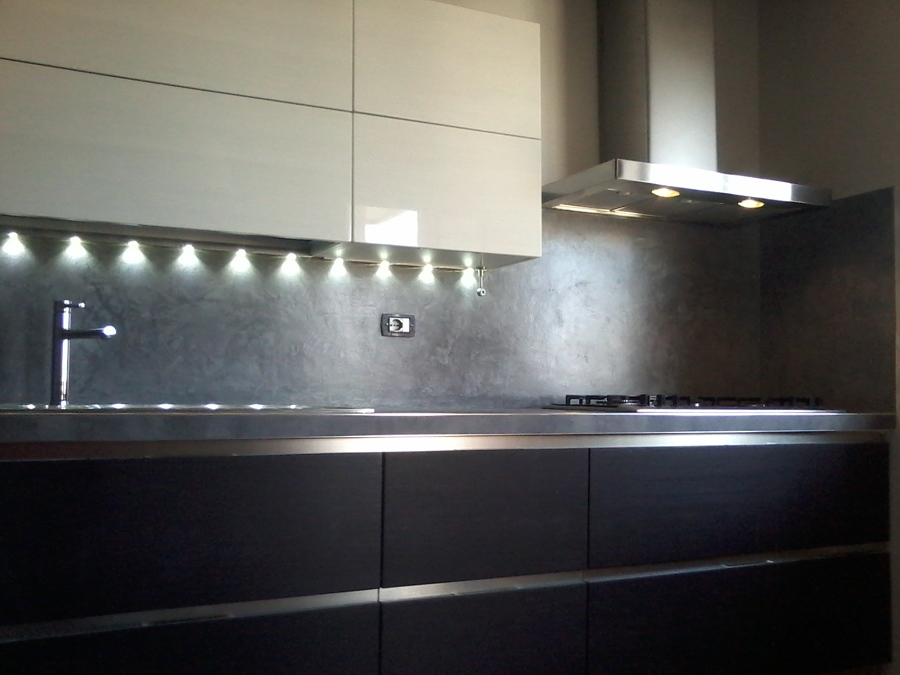 Beautiful resina in cucina images ideas design 2017 - Rivestimento cucina ...
