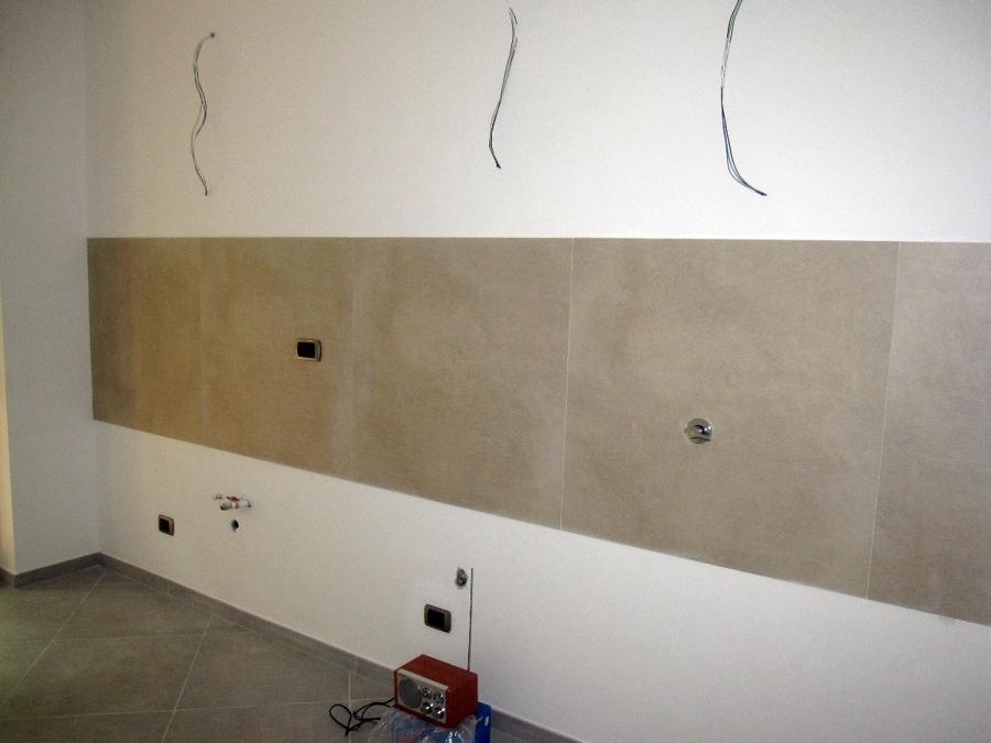 Foto rivestimento cucina di 3g snc 120776 habitissimo - Cucina senza piastrelle ...