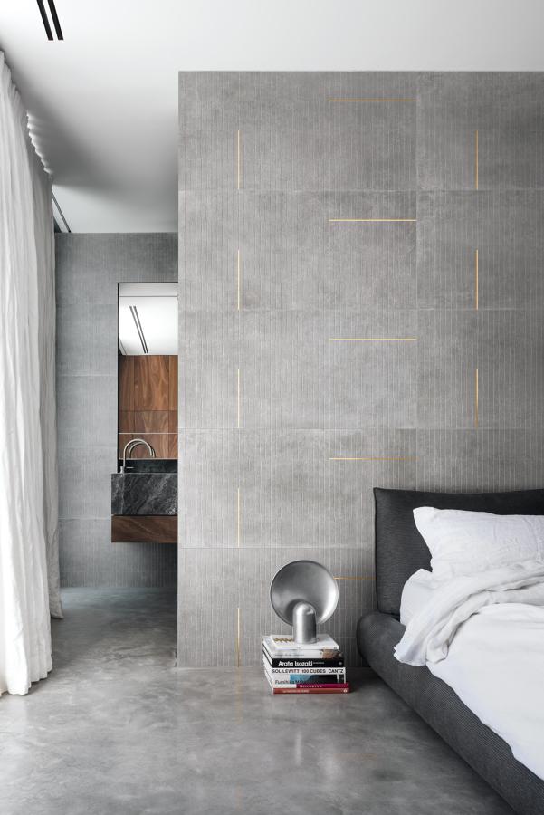 Rivestimento grès porcellanato parete camera da letto