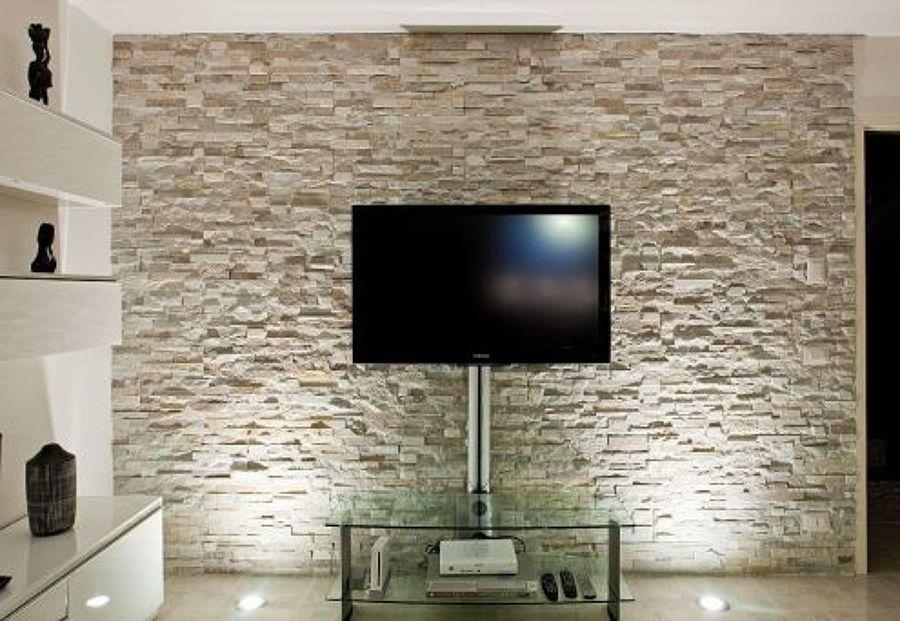 Come rivestire una parete in pietra corridoio con in - Rasatura muro esterno ...