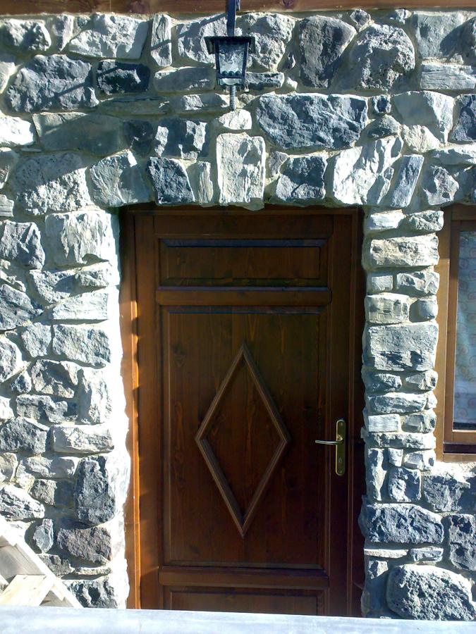 rivestimento in pietra ricostruita