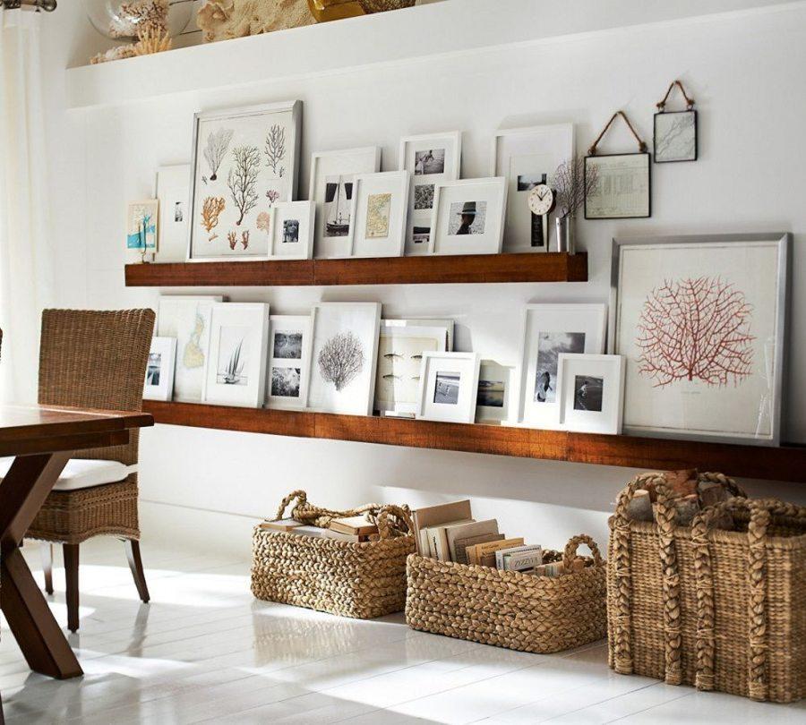 sala con mensole e cartongesso