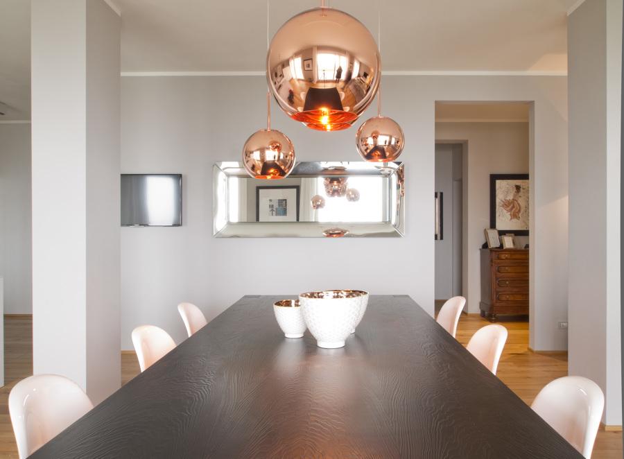 Villa unifamiliare idee mobili for Sala da pranzo kartell