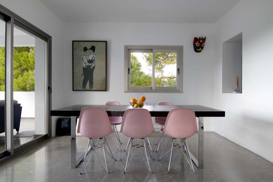 Arredare stanze rettangolari i trucchi salvaspazio idee for Sala da pranzo lunga e stretta