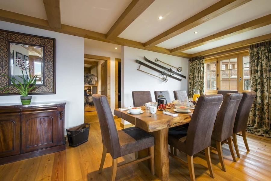 Foto salone con sci appesi di francesco esposito 367083 - Pianeta casa immobiliare padova ...