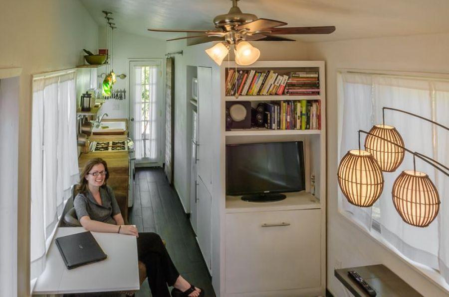 salone donna padrona di casa