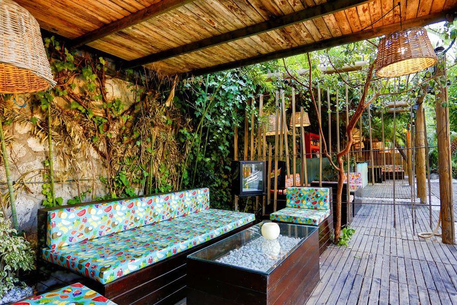 salotto esterno tropicale