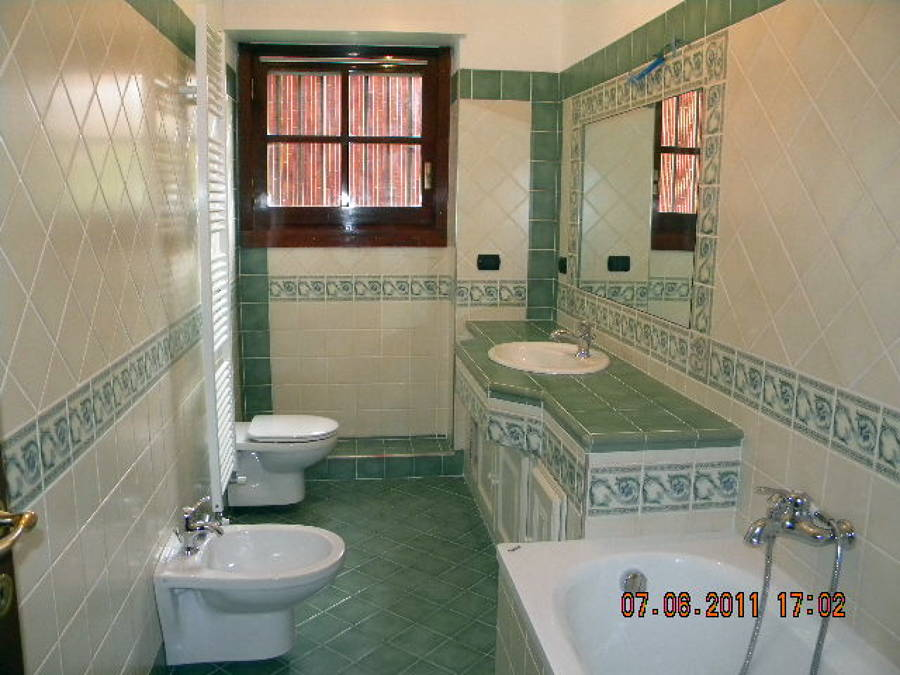 Specchio bagno incassato nel muro idee di design per la casa