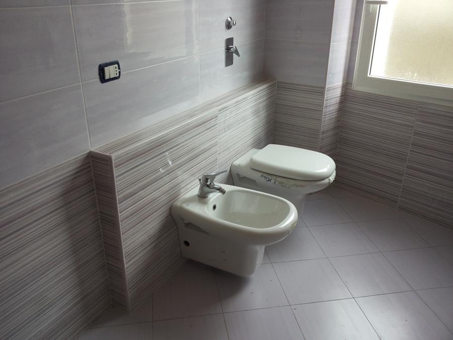 Ristrutturazioni ed impianti idee ristrutturazione casa - Posizione sanitari bagno ...