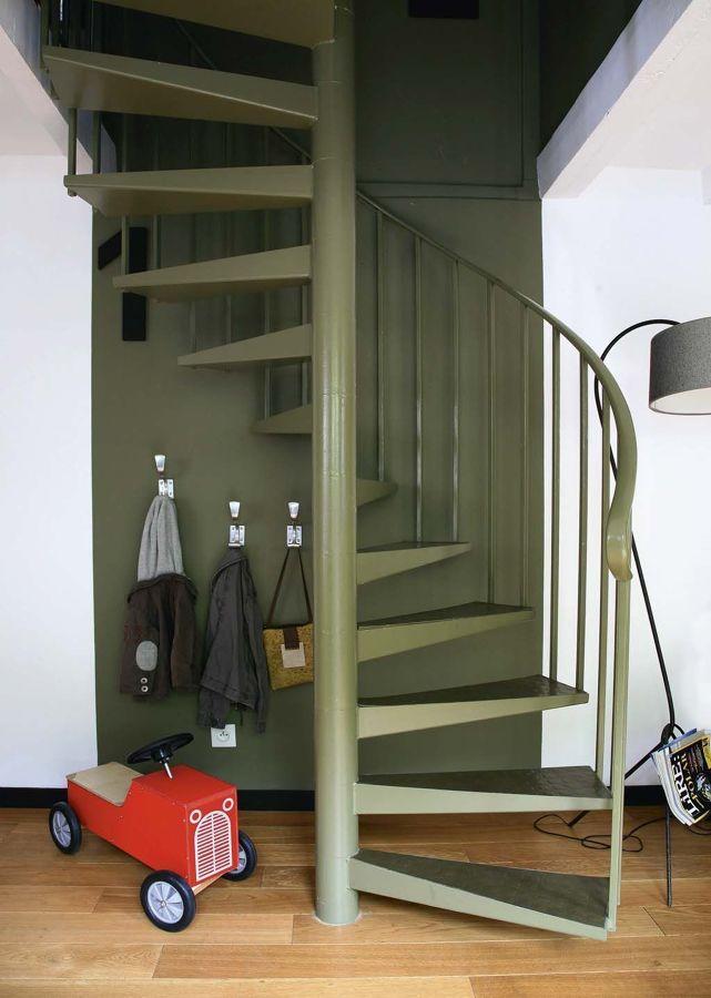 Foto scala a chiocciola in metallo di rossella cristofaro - Foto scale a chiocciola ...